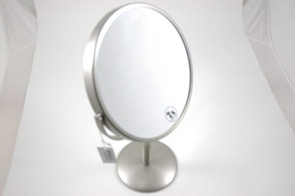 Spiegel op voet 7x vergrotend chroom